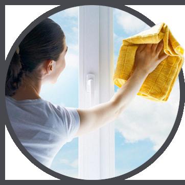 Nettoyage de surfaces vitrées